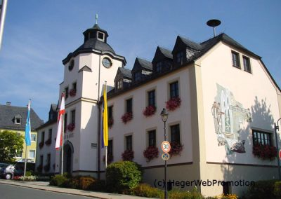 Kurpension-Woelfel-Bad-Steben-Rathaus